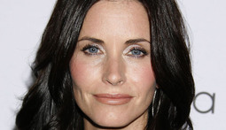 Mantenna - Courteney Cox Admits She's a Cougar