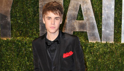 Mantenna - Justin Bieber Sells His Hair and Courtney Love Gets Sued
