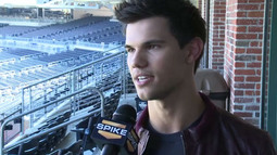 Comic-Con 2011: Taylor Lautner Interview