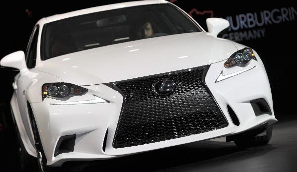 Lexus Ces 2013