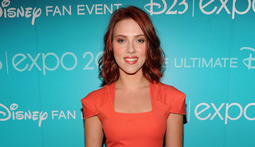 Mantenna - Scarlett Johansson Fights Back Against Leaked Pics