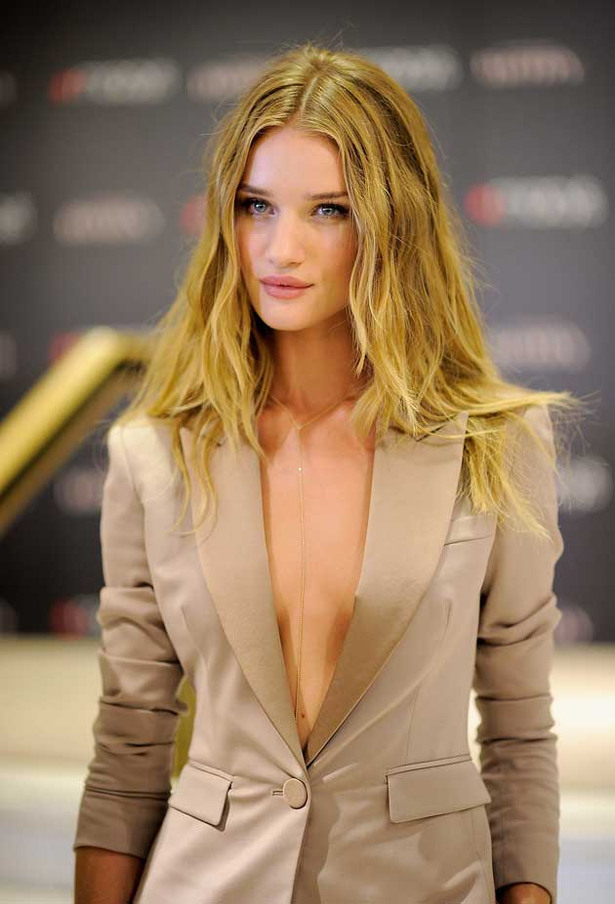 Rosie Huntington-Whiteley is Wondrous
