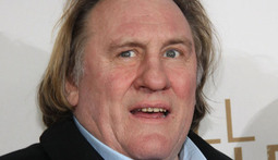 Mantenna – Gerard Depardieu Relieves Himself on a Plane