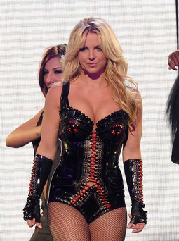 Britney Spears Dances Up a Storm