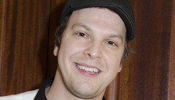 Mantenna – Gavin DeGraw Assaulted by Thugs