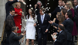 Mantenna - Paul McCartney Gets Married on John Lennon's Birthday