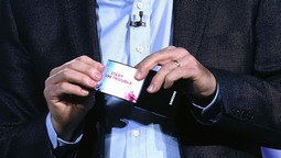 CES 2013: Samsung Unveils New Phone With Bendable Screen