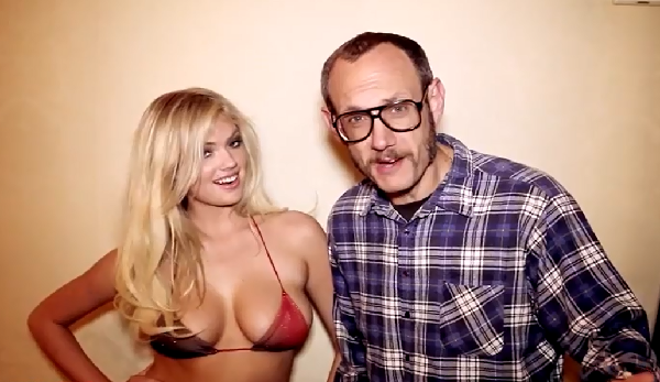 Kate Upton Graciously Performs The 'Cat Daddy' In A Bikini Final