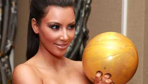 Kardashian Nacked on Kim Kardashian Gets Naked    Again