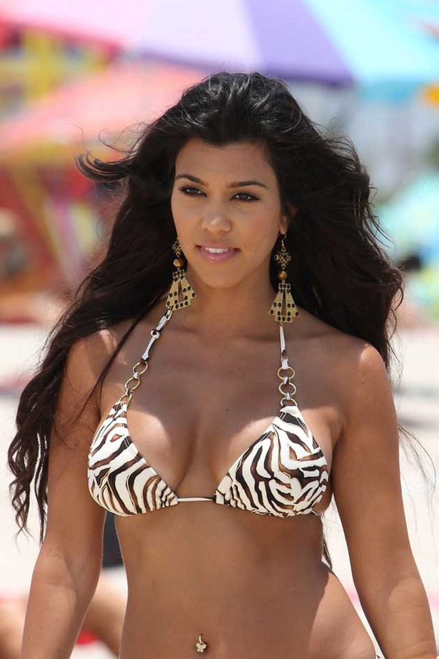 Kourtney Kardashian Bikini Pictures