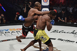 Michael Page vs. Jeremie Holloway
