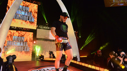 Michael Chandler re-signs with Bellator MMA