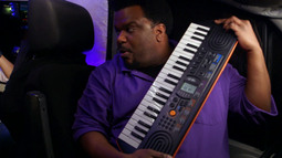 """Craig Robinson Busts Out His Keyboard For Some """"Chorus With Craig"""""""