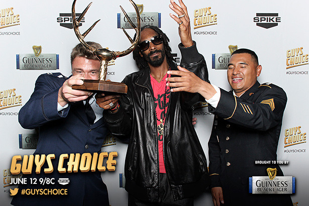 Guys Choice 2013 Premium Access Pics With The Troops