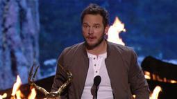 Chris Pratt Accepts Guy Of The Year Award