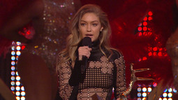 Our New Girlfriend: Gigi Hadid - Guys Choice 2016