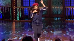 Sneak Peek: America Ferrera Performs 'Gossip Folks'