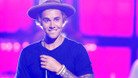 Justin Bieber Performs Fergie's 'Don't Cry'