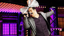 Josh Gad Performs Whitney Houston's 'How Will I Know'
