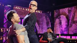 Jim Rash Performs En Vogue's 'Something He Can Feel'
