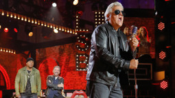 Sneak Peek: Jay Leno Performs The Sweet's 'Ballroom Blitz'
