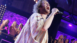 T.J. Miller Syncs Vanessa Williams' 'Save The Best For Last'