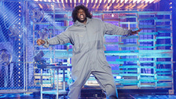 Shaquille O'Neal Performs 'Maniac' From 'Flashdance'