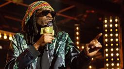 Sneak Peek: Snoop Dogg Channels Bob Marley