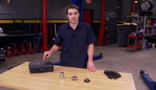 Truck Tech: F100 Basket Case: Hot Rod Classic