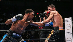 Daniel Jacobs vs. Sergio Mora Highlights